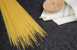 فروشنده انواع ماکارونی رشته ای اسپاگتی عمده
